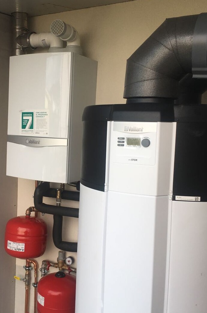 https://www.vaillant.it/images/about-vaillant/installazioni-di-prestigio/sistemaibrido-foligno/sistemaibrido-foligno-3-1495276-format-flex-height@690@desktop.jpg