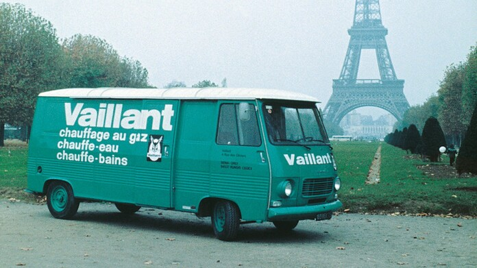 //www.vaillant.it/media-master/global-media/vaillant/historic-motive/hisc17-45991-format-16-9@696@desktop.jpg